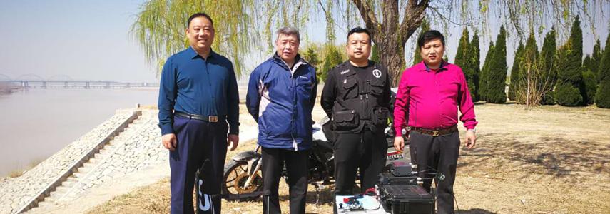 济南部分业余无线电爱好者在黄河边野外通联